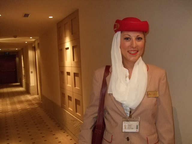 how to work for emirates as cabin crew