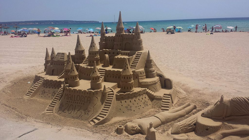 sand-castle-can-pastilla